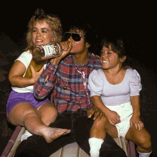 17333444_344628679271726_2148397629925490688_n?w=525 smirnoff 40% alcohol exploiting the late michael jackson mindaware